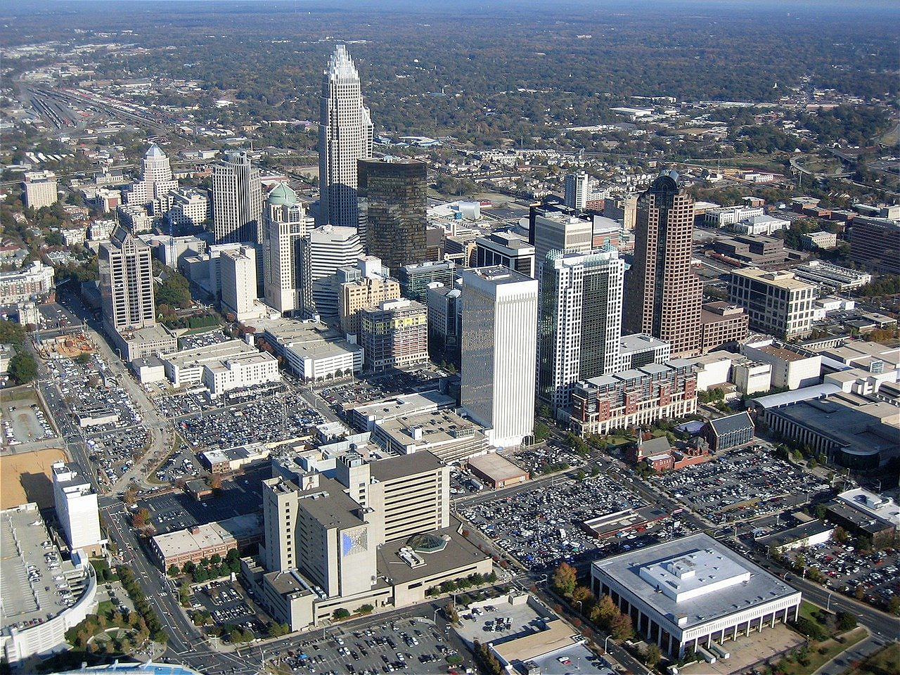 Skyline of charlotte nc where pallet removal services near me are offered.